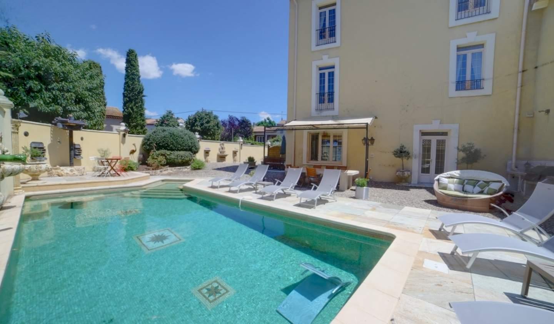 Propriété avec piscine et jardin Beziers