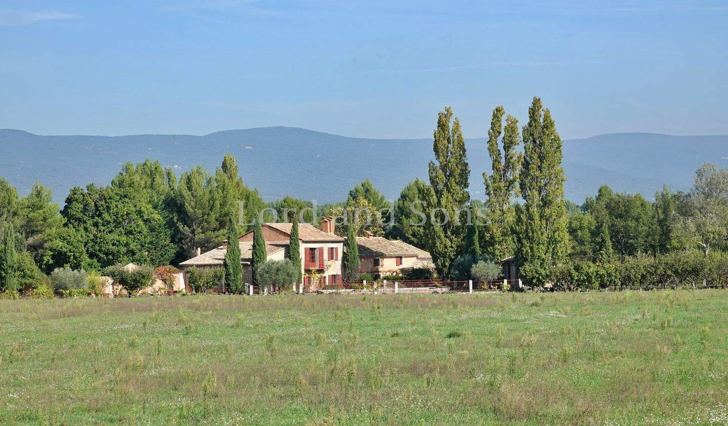 Property with pool and garden Roussillon