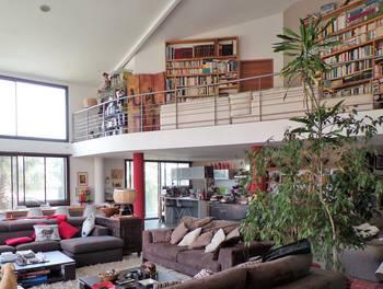Maison 4 pièces 240 m2