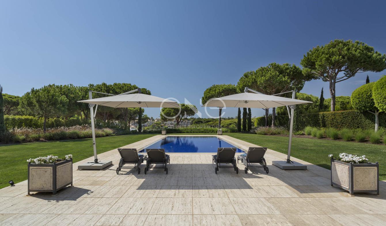 vente maison de luxe almancil 5 000 000 10000000 629 m. Black Bedroom Furniture Sets. Home Design Ideas