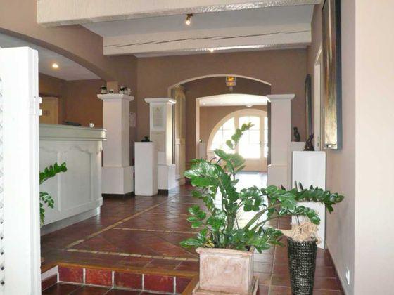 Vente propriété 16 pièces 750 m2