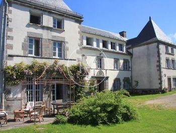 manoir à La Tour-d'Auvergne (63)