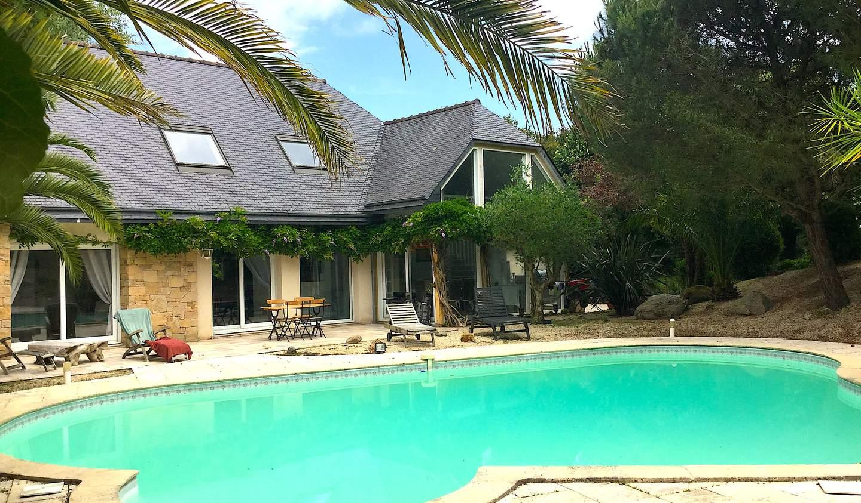 Villa avec piscine et jardin La Roche-Derrien
