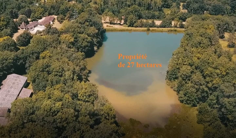 Propriété avec piscine Lussas-et-Nontronneau