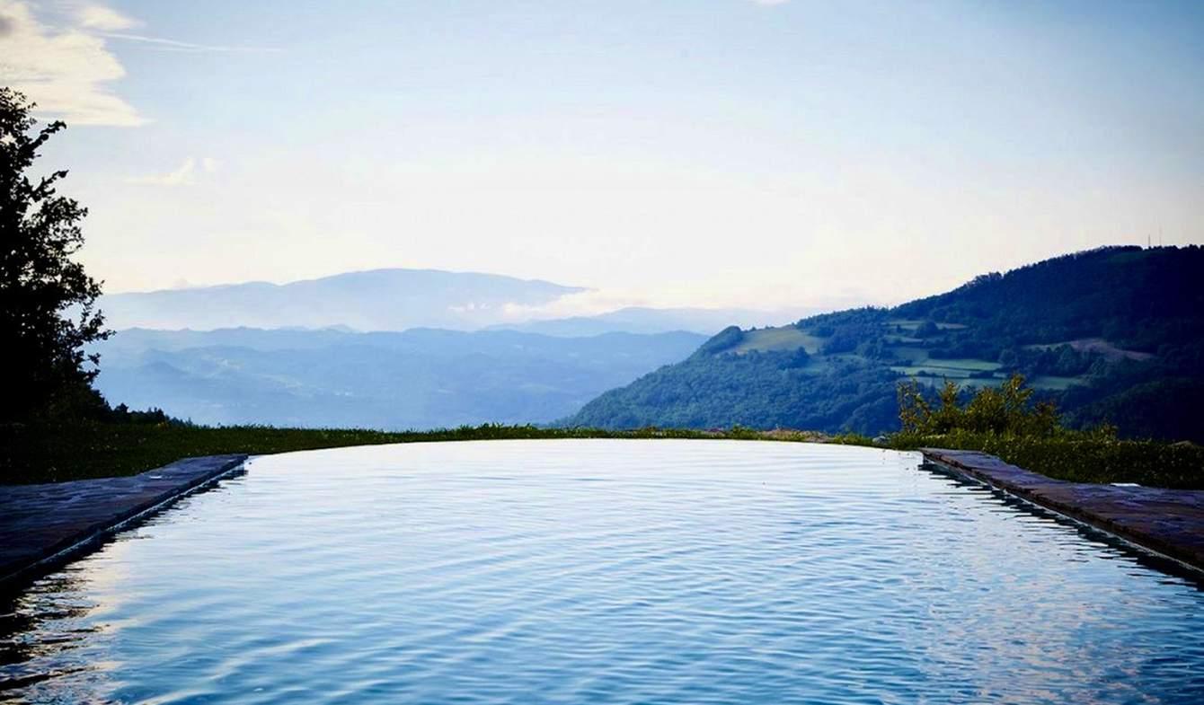 Villa avec piscine et terrasse Roccaverano