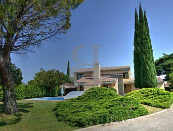 villa à Sainte-Cécile-les-Vignes (84)