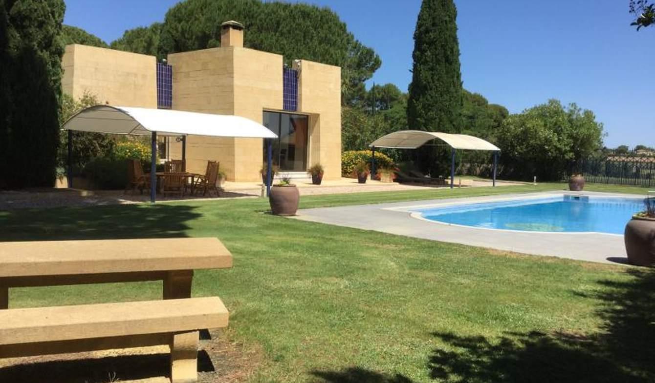 Villa avec piscine et terrasse Servian