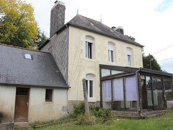 maison à Rostrenen (22)