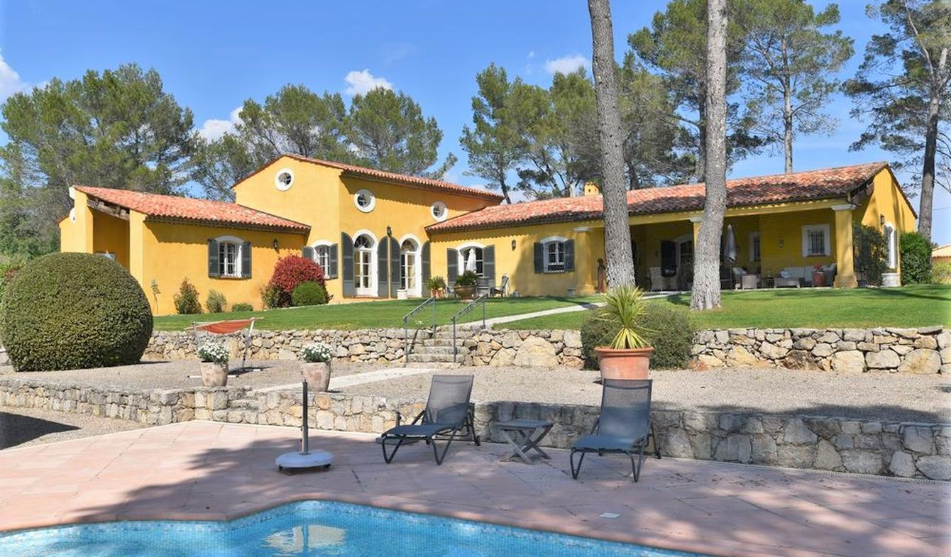 Villa with pool and terrace Seillans