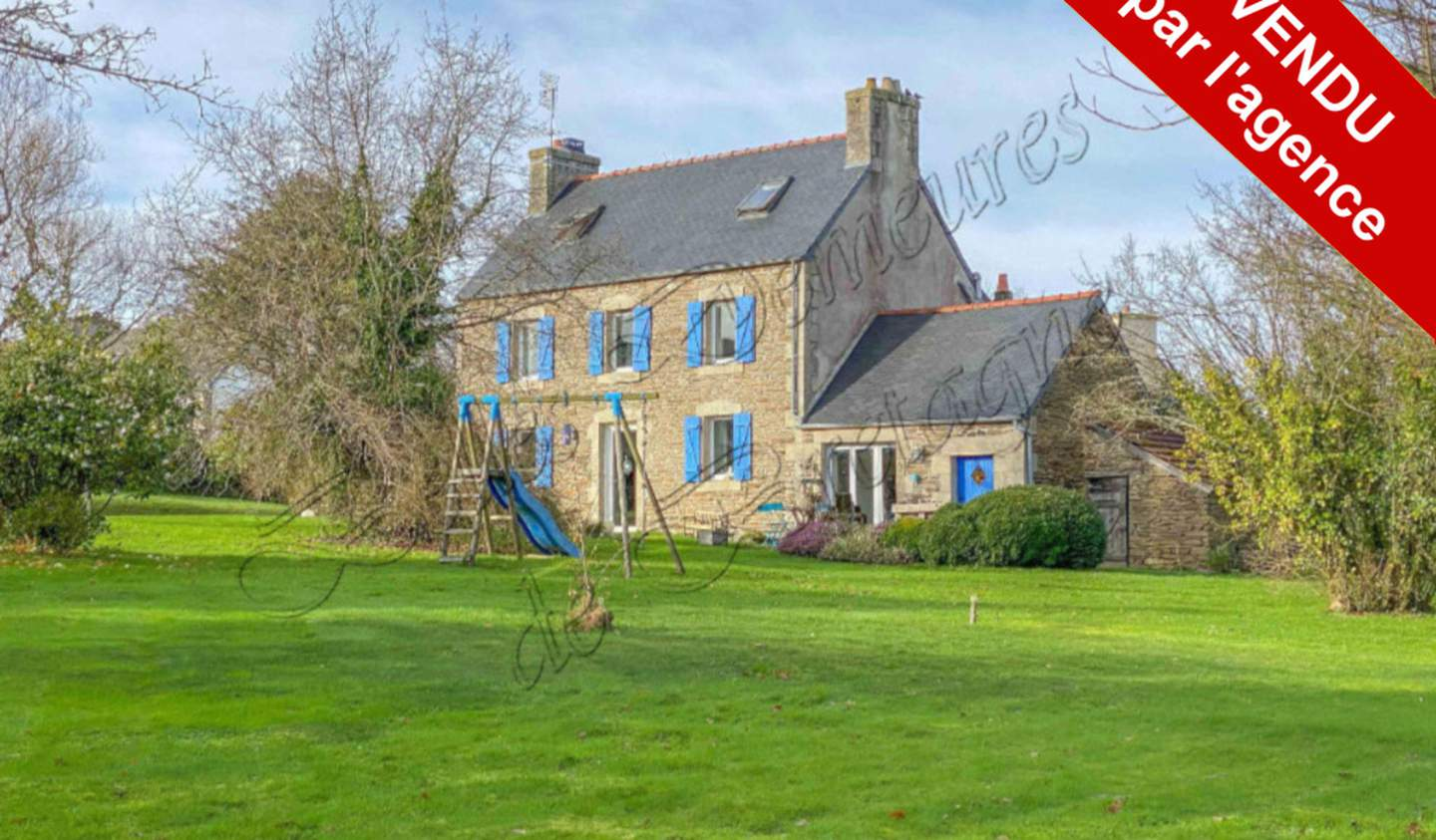 House with terrace Morlaix