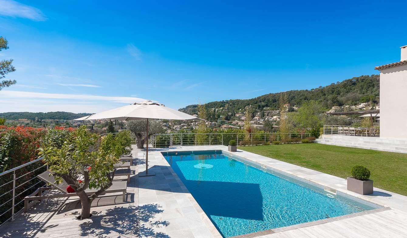 Villa with pool and garden Saint Paul de Vence