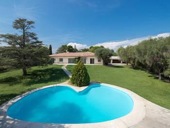 Villa 11 pièces 240 m2