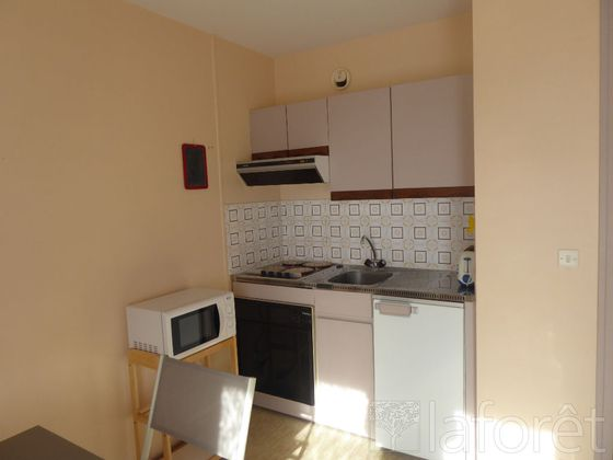 Location studio meublé 19,33 m2