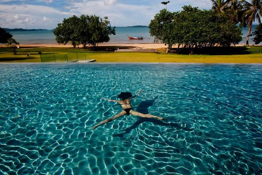 Propriété avec piscine en bord de mer