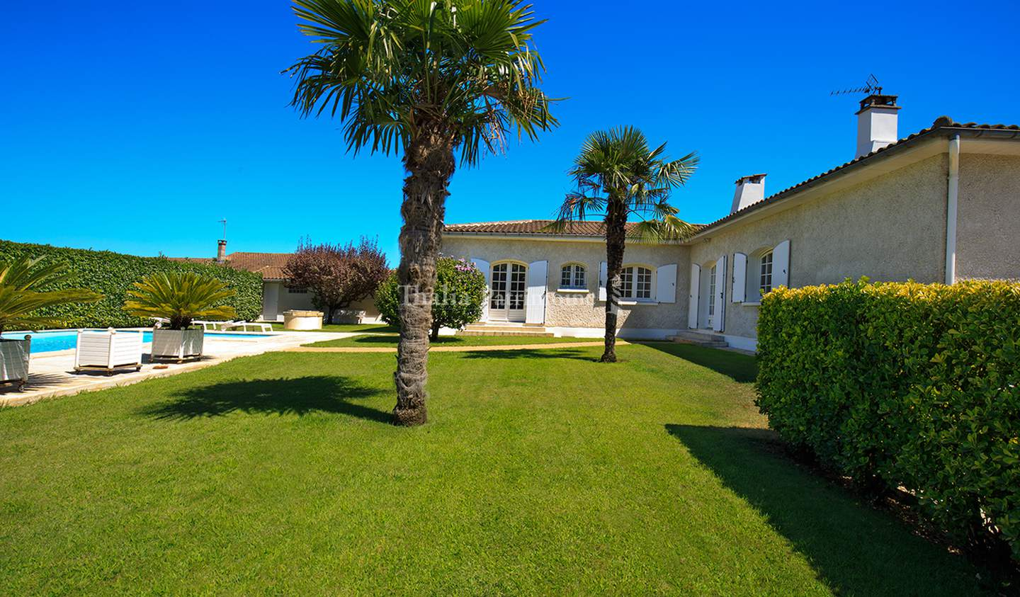 House with pool and terrace Villenave-d'Ornon