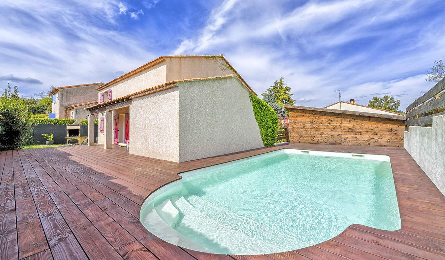 House with pool and terrace Ales