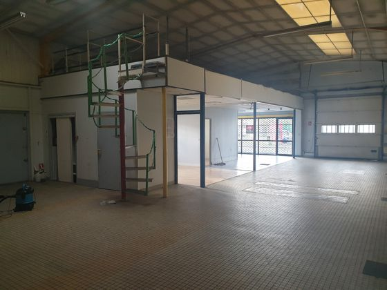 Location divers 300 m2