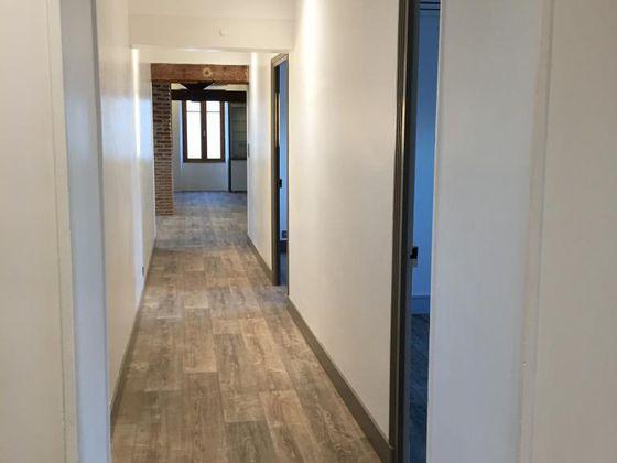 Location appartement 4 pièces 140 m2