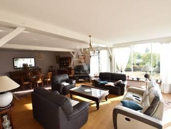Maison 9 pièces 304 m2