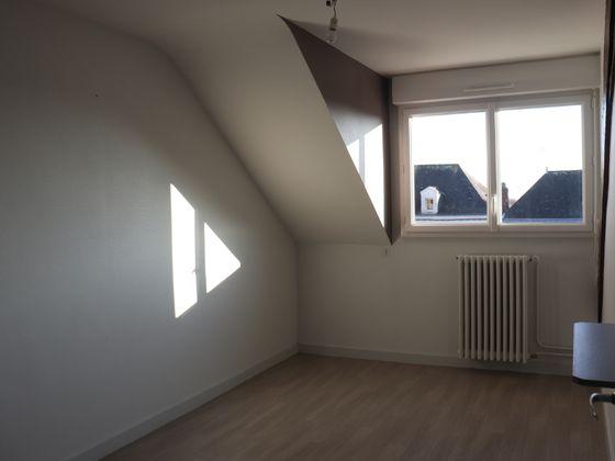 Location appartement 7 pièces 110 m2