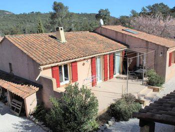 maison à Méounes-lès-Montrieux (83)