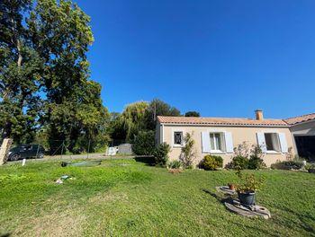 maison à Saint-laurent-de-la-pree (17)