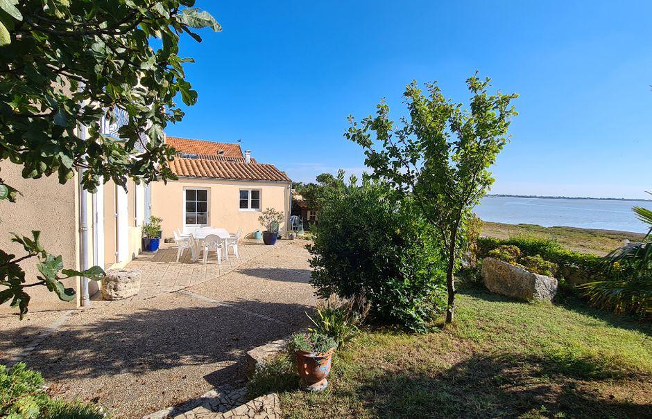 Vente maison 4 pièces 163 m² à Fouras (17450), 832 000 €