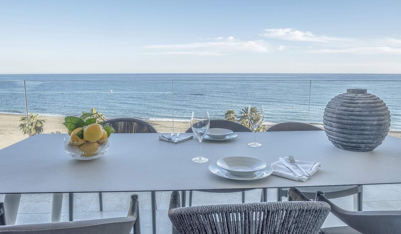 Seaside contemporary apartment with terrace Estepona