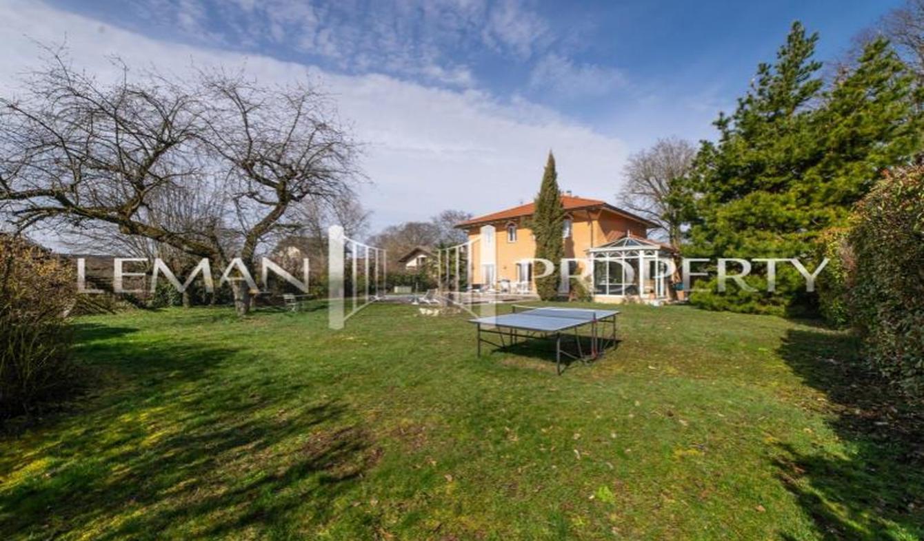 Maison avec piscine et terrasse Douvaine