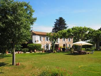 Villa 8 pièces 255 m2