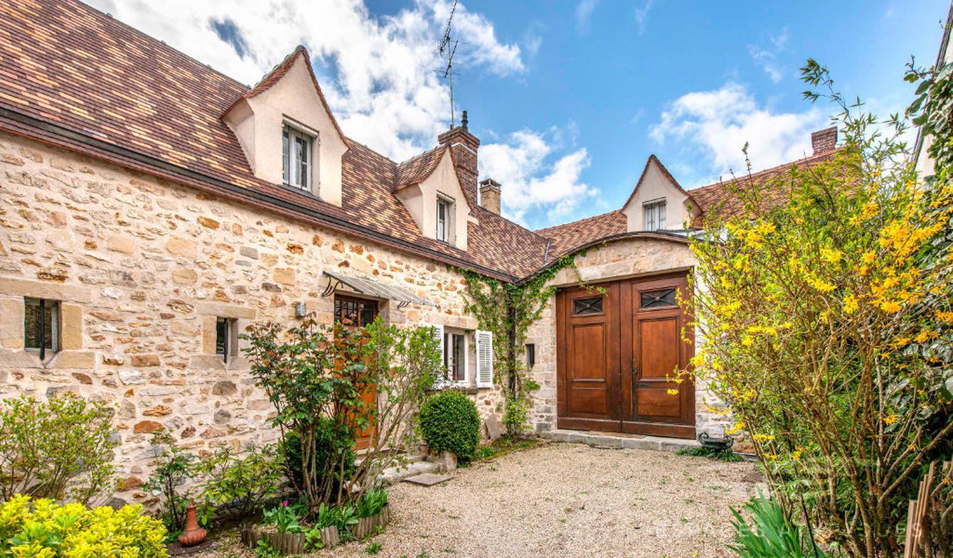 House with terrace Bois-le-Roi