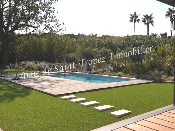 Vente villa 6 pièces 239 m2