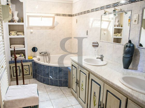 Vente villa 7 pièces 281 m2