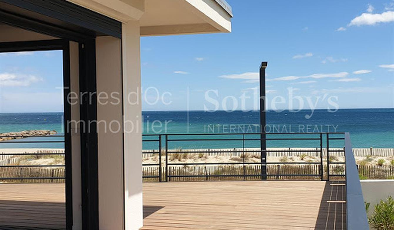 Seaside villa and terrace Saint-Cyprien