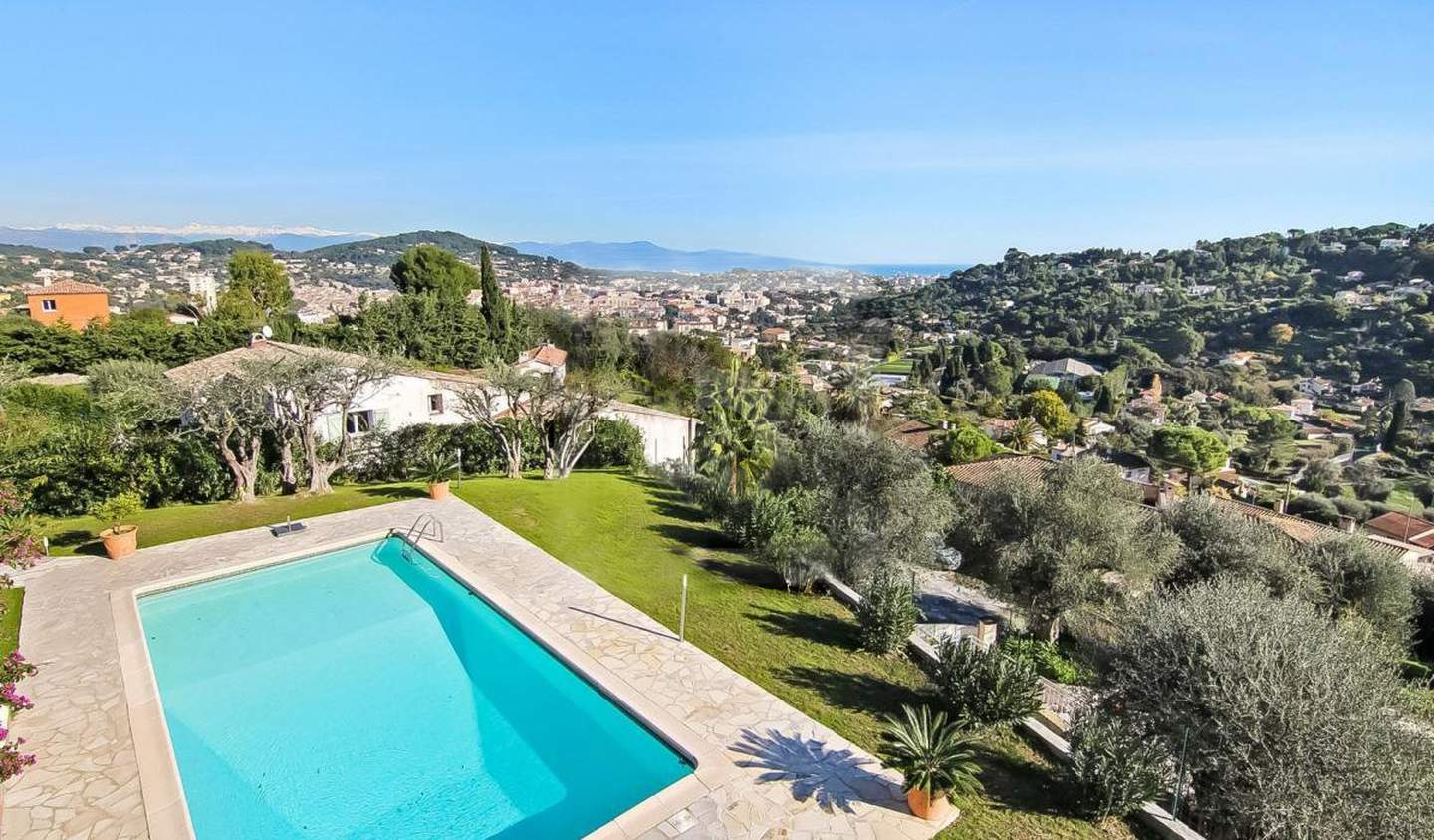 Villa with pool Vallauris