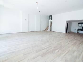 Maison 4 pièces 217 m2