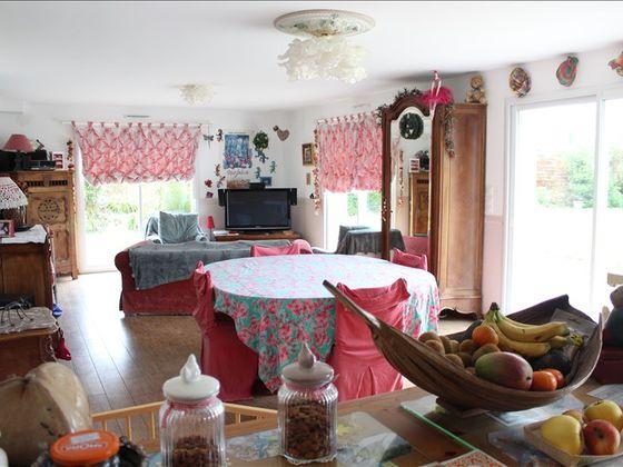 Vente maison 6 pièces 922 m2