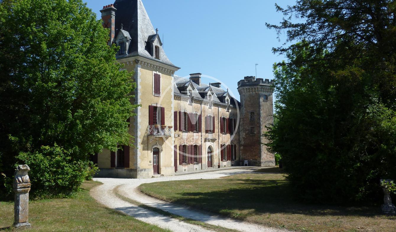 Château Saint-Jean-d'Angély