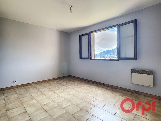 Location appartement 2 pièces 47,23 m2