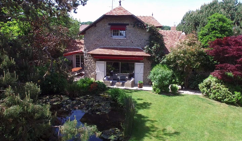 Maison avec jardin et terrasse Courson-Monteloup