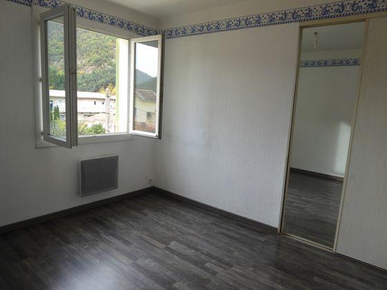 Location appartement 3 pièces 64,96 m2