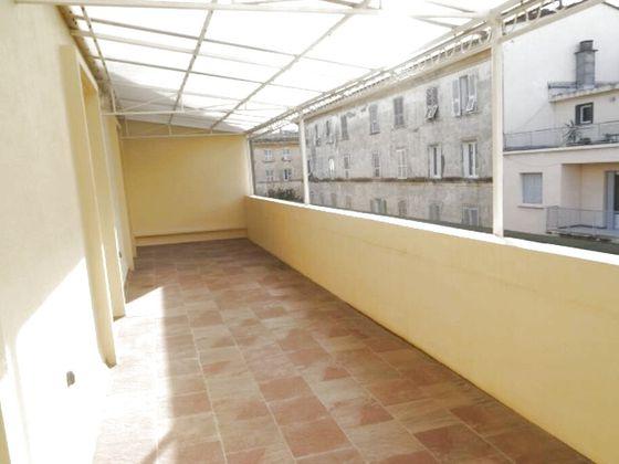 Location appartement 5 pièces 107,92 m2