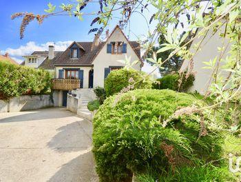maison à Villeneuve-la-Guyard (89)