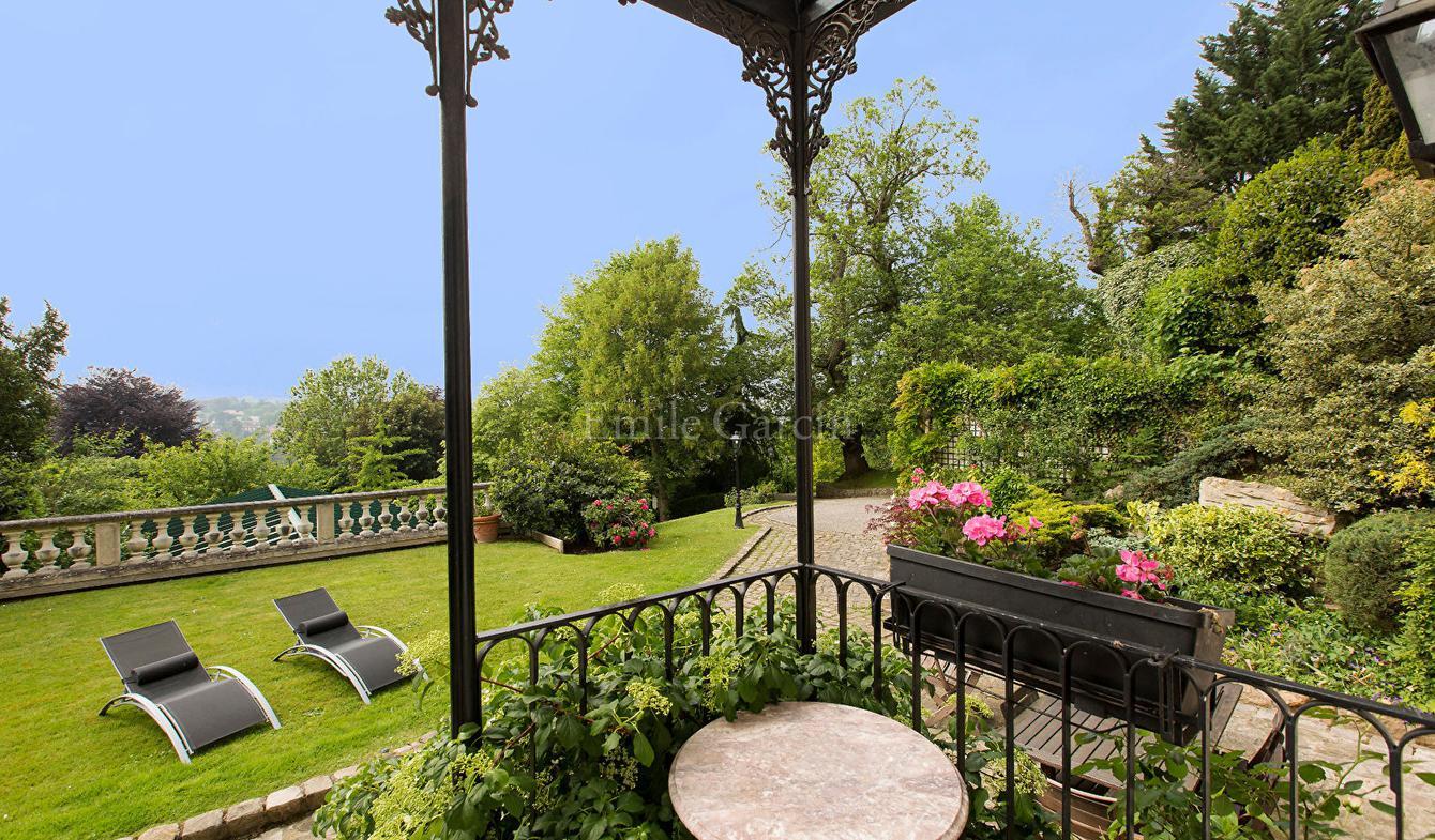 Property La Celle-Saint-Cloud