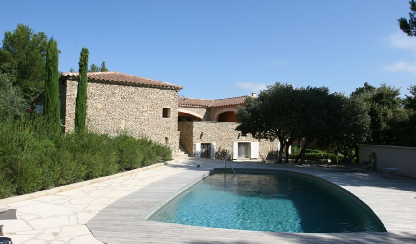 Property with pool and garden L'Isle-sur-la-Sorgue
