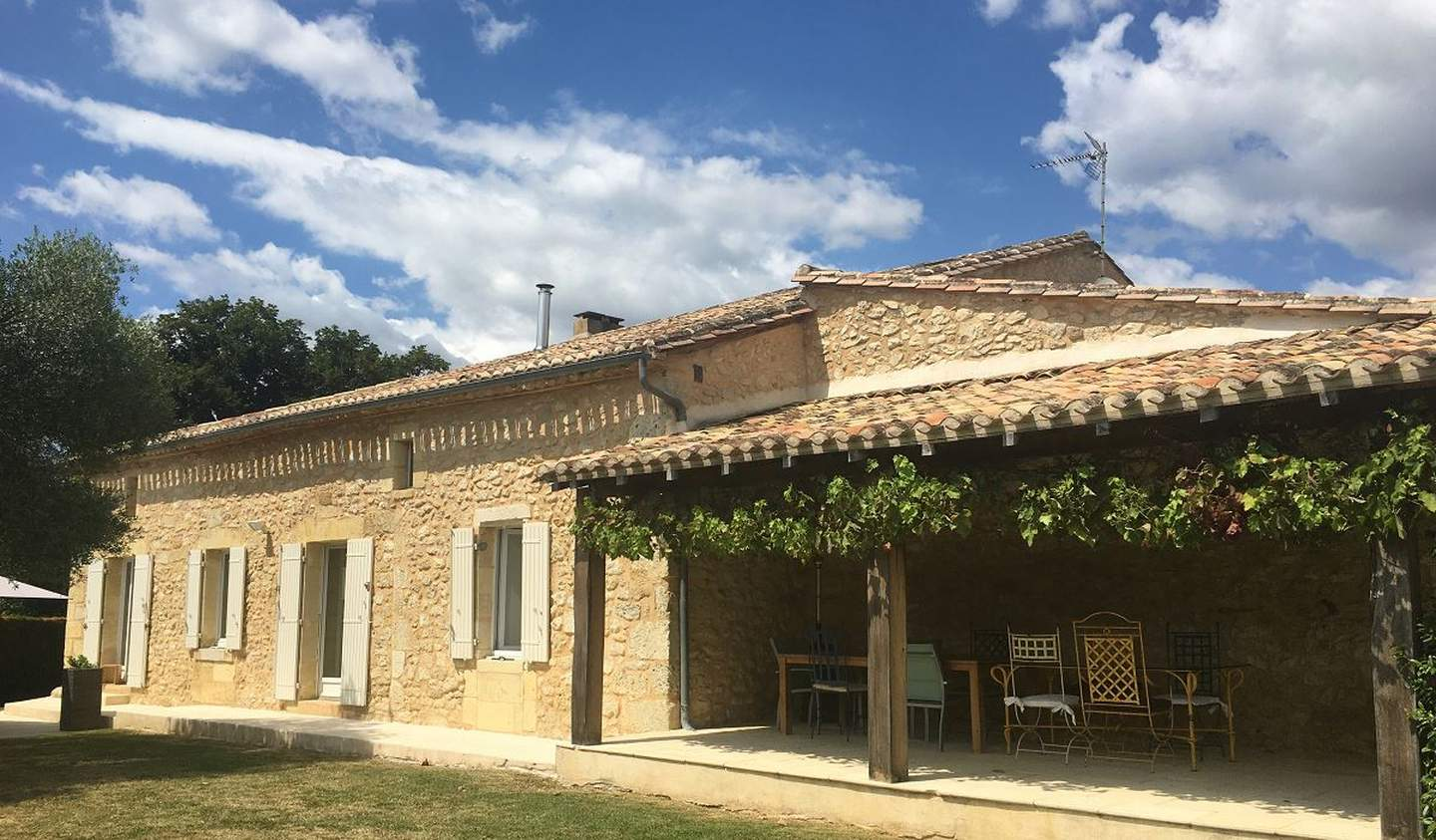 House with pool and garden Saint-Emilion