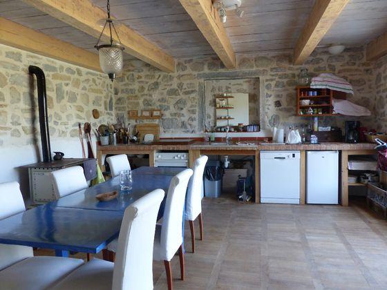 Vente propriété 10 pièces 550 m2