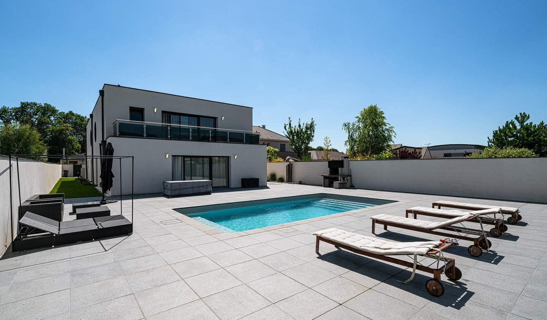 Maison avec piscine et terrasse Isles-sur-Suippe
