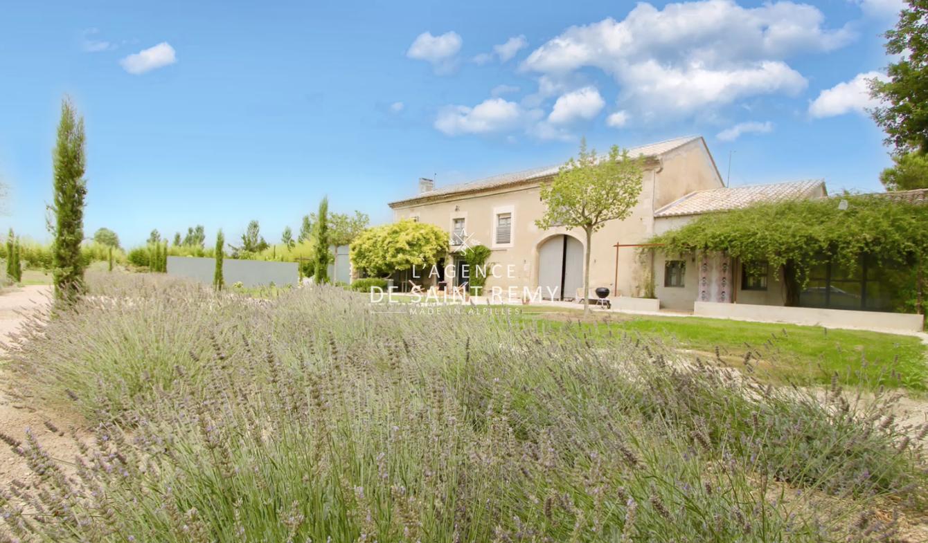 Villa avec piscine et terrasse Maillane