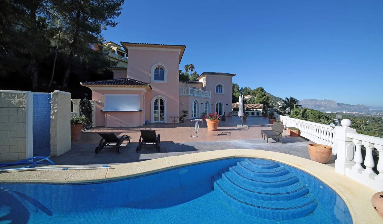 Villa avec piscine en bord de mer Dénia